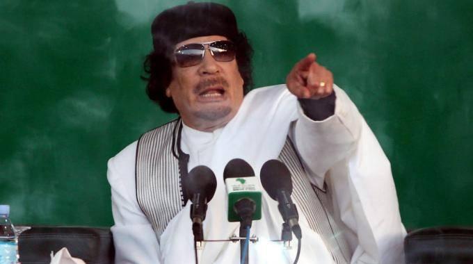 """Gheddafi non molla e lancia un messaggio:  """"Preparetevi alla battaglia per cacciare la Nato"""""""