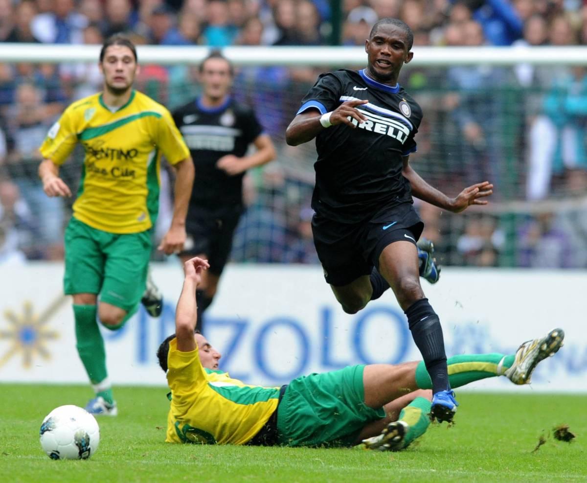 Mercato caldo, il dopo Eto'o diventa un giallo  Forlan all'Inter? Il Milan su Schweinsteiger