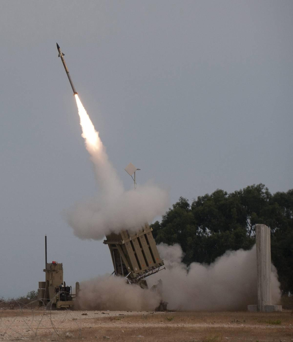 Ancora missili da Gaza, una vittima a Beer Sheva E Israele arresta più di cento membri di Hamas