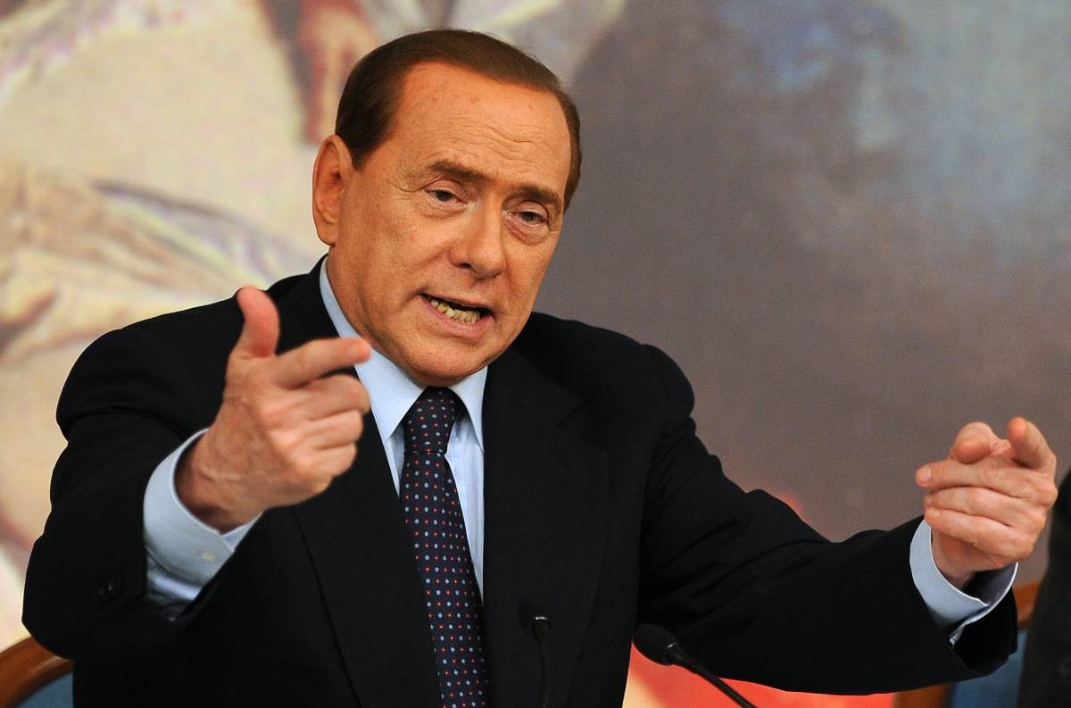 Libia, l'appello del Cav:  il Colonnello si arrenda  e risparmi le sofferenze