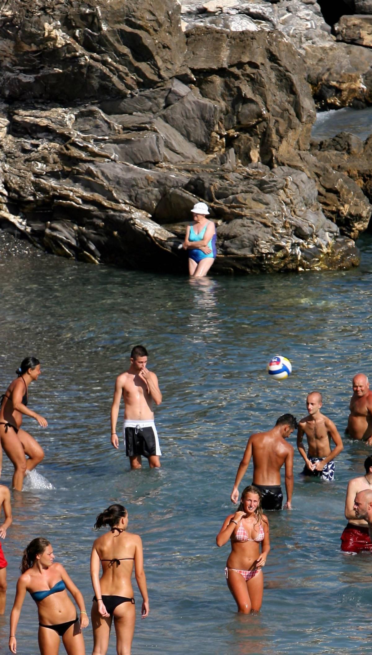 Il Municipio interviene per la spiaggia sporca