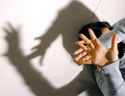 Austria, 41 anni di abusi sulle due figlie disabili  Indagato un 85enne: violentò pure la moglie