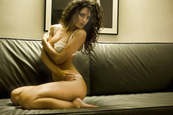 Un'altra ragazza rischia   l'espulsione da Miss Italia  Foto di nudo sul web