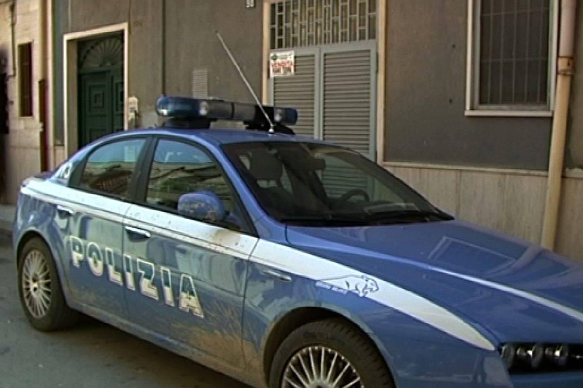 Giallo a Trieste, trovato un cadavere bruciato:  completamente nudo, ha mani e piedi legati