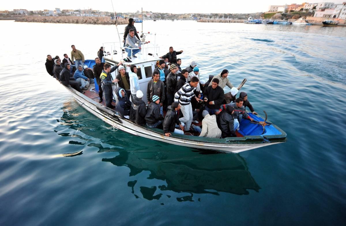 Libia, il sindaco di Lampedusa chiede i danni a Gheddafi