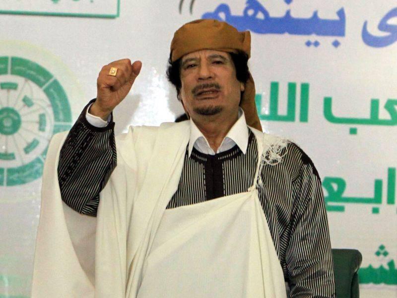 Libia nel caos: l'ultimo bluff del dittatore  adesso offre la resa e confonde i ribelli
