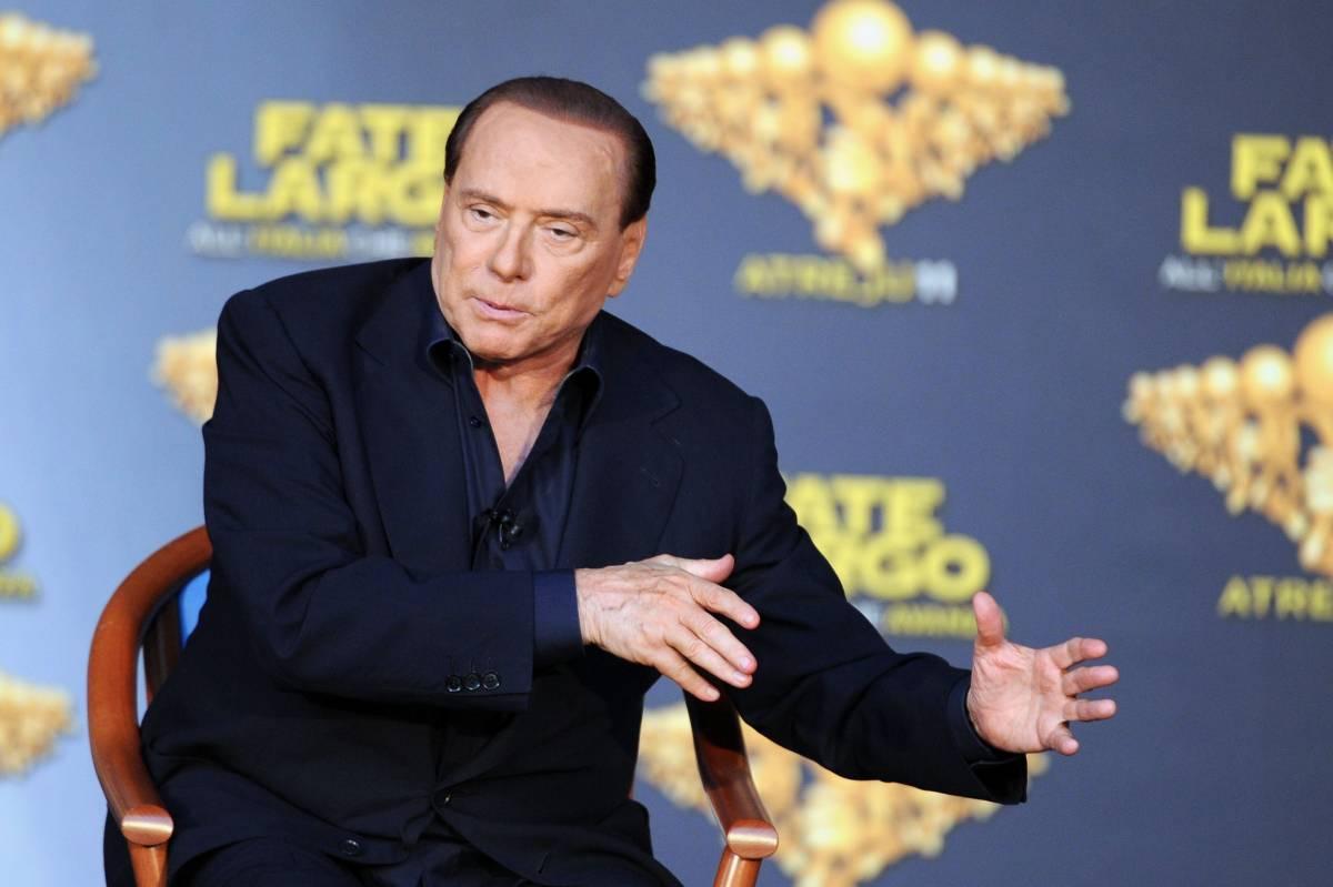 """Berlusconi lancia la sfida: """"Nessuno mi può ricattare"""""""