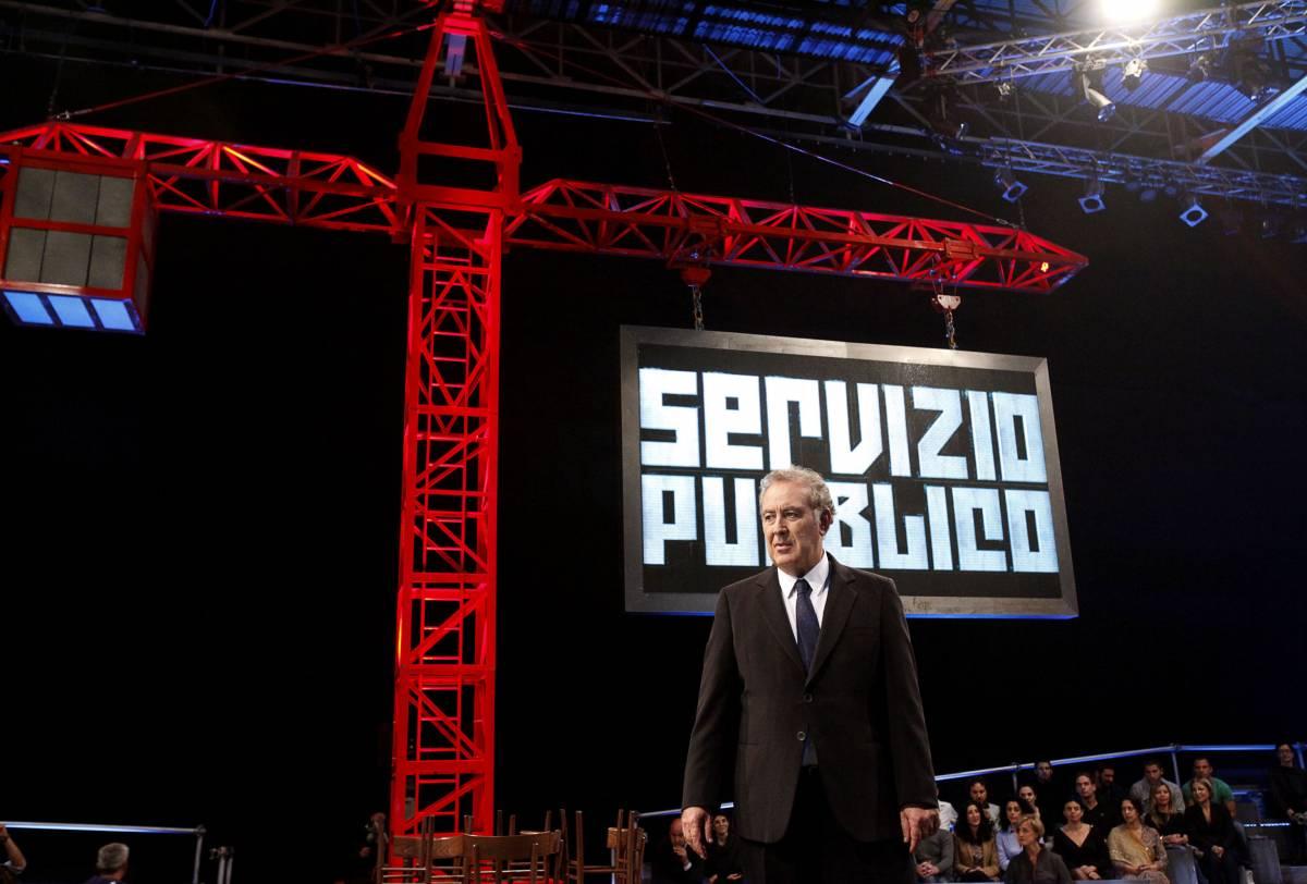 """Santoro fa il medium: """"Cari Indro e Biagi..."""" Poi torna alla sua ossessione: le feste ad Arcore"""