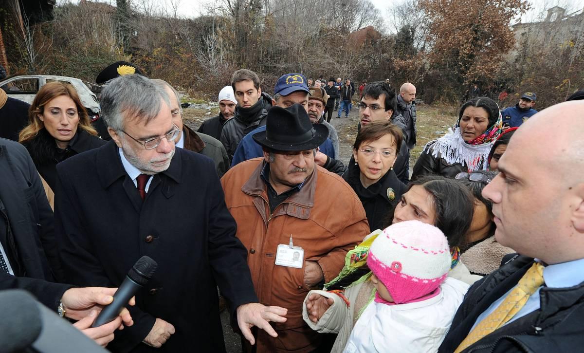 Case gratis ai rom Proposta choc di Riccardi Ma agli italiani chi pensa?