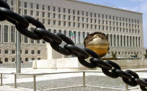 Farnesina, scoperte frodi per oltre 1,6 milioni di euro Denunciati 29 consulenti