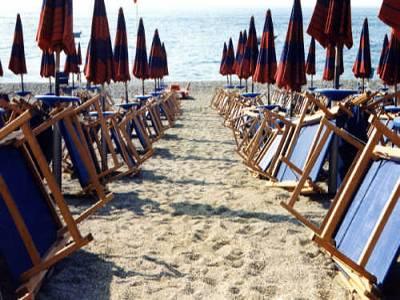 La crisi pesa sulle vacanze: crollano turisti e gli assunti nell'alberghiero