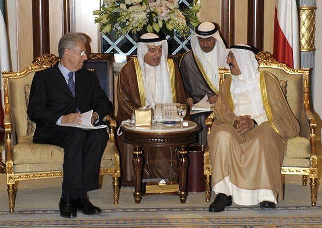 Mario Monti incontra l'emiro del Kuwait Sheikh Sabah Al ahmad Al sabah