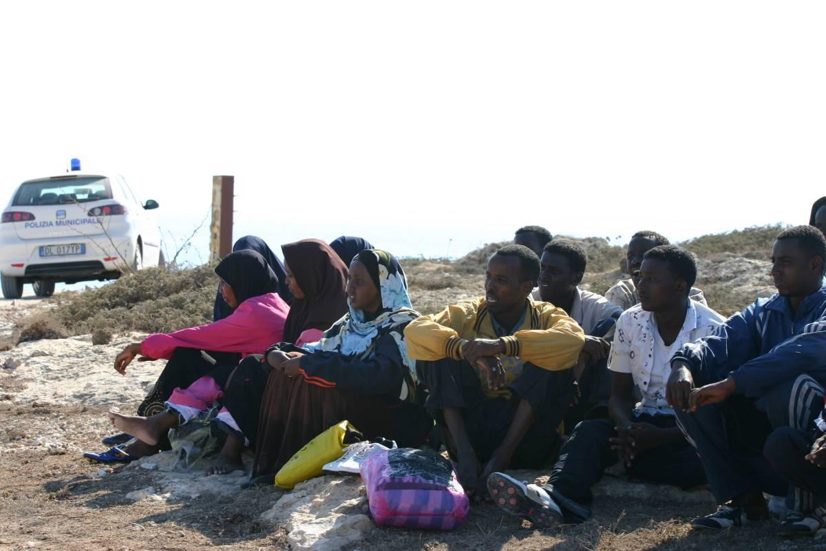 Immigrati clandestini sbarcano in Sicilia