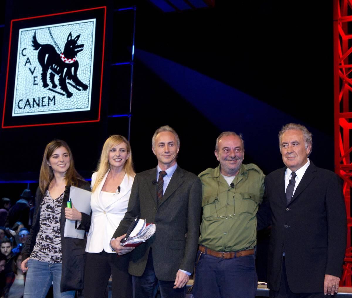 Giulia Innocenzi, Luisella Costamagna, Marco Travaglio, Vauro e Michele Santoro