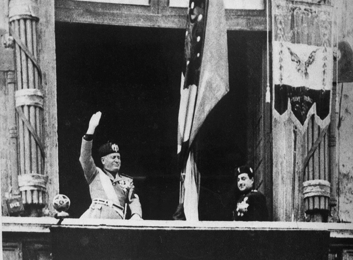 Una foto d'archivio di Benito Mussolini