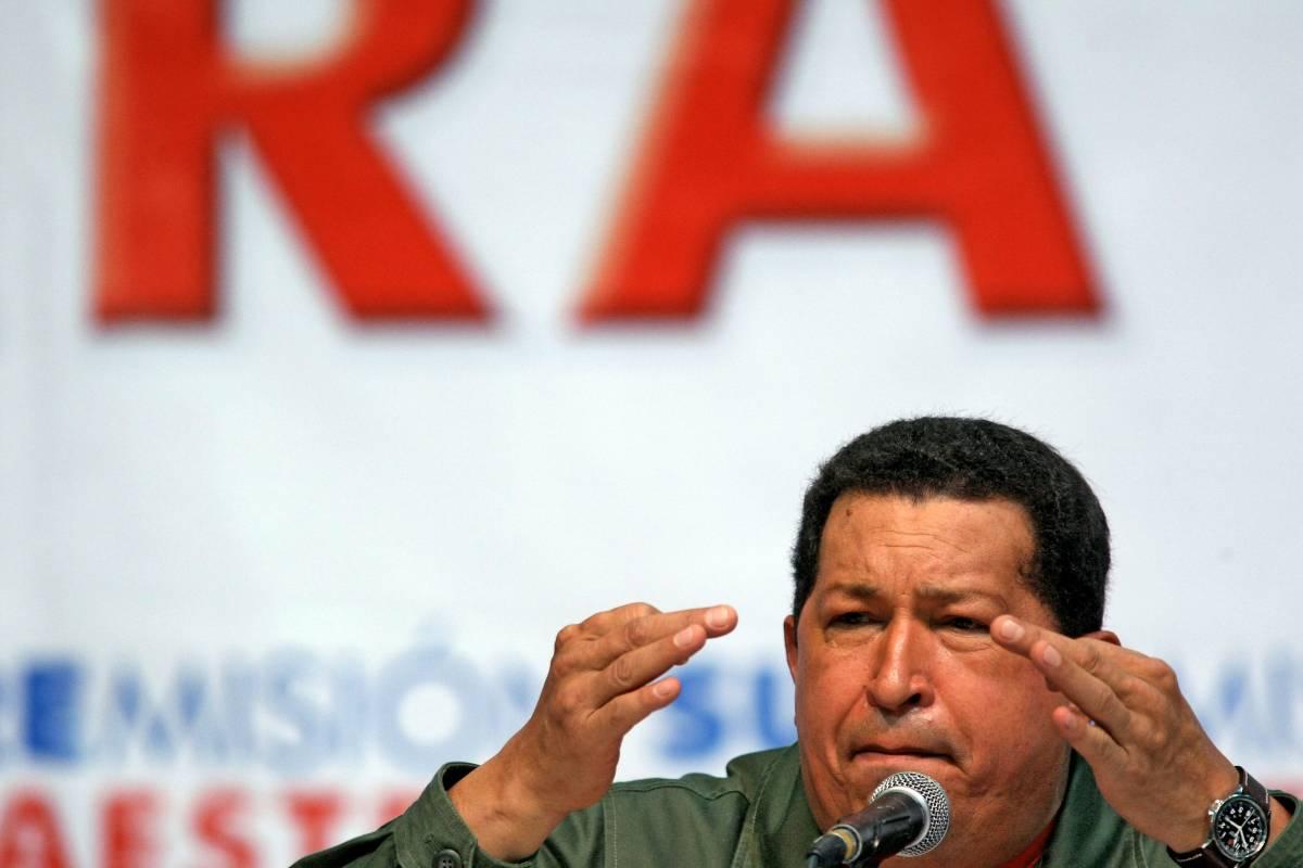 """Chavez: """"Via la statua di Colombo"""""""