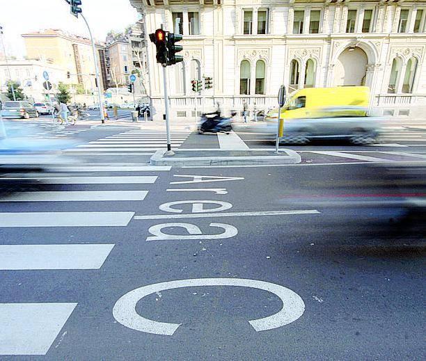 """Il piano del Pd per il centro: """"Solo le auto dei residenti"""""""
