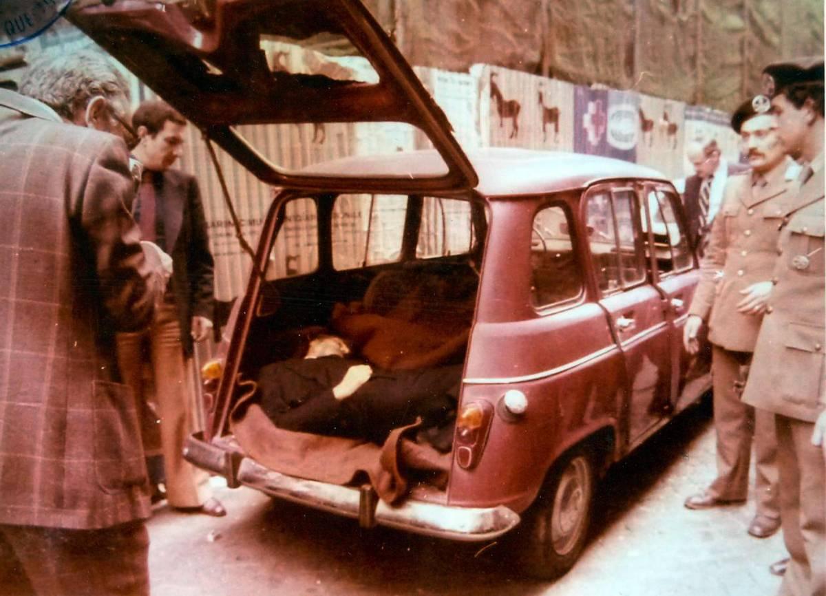 La Renault 4 con il cadavere di Aldo Moro in Via Caetani