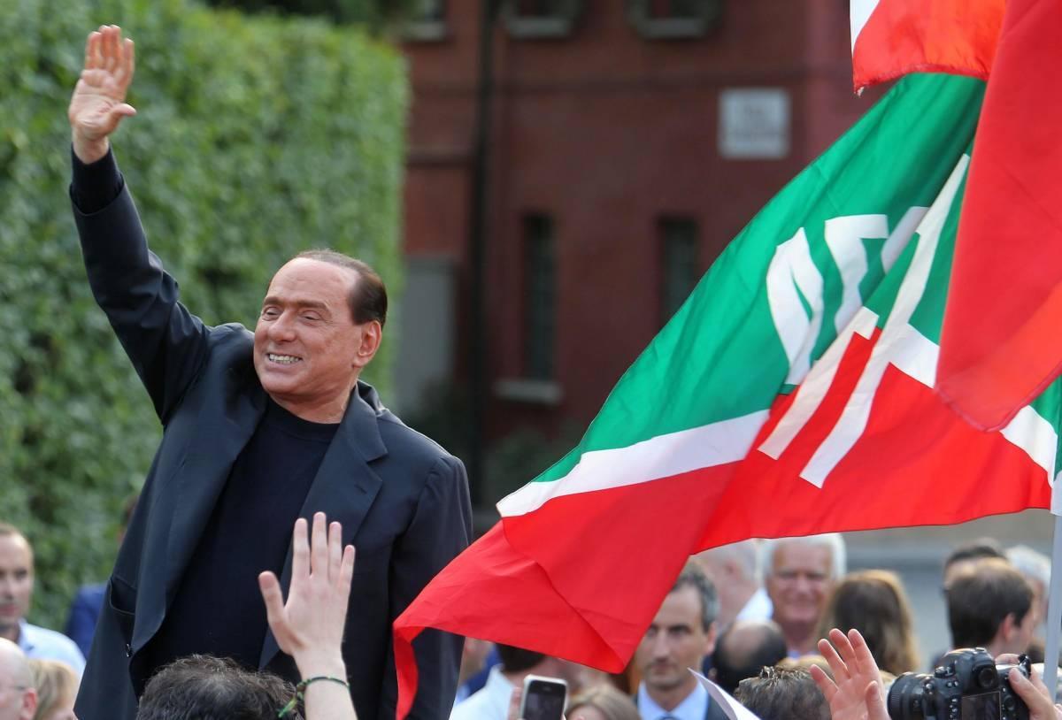 Il Cav spinge su Forza Italia: alla Camera torna la targa