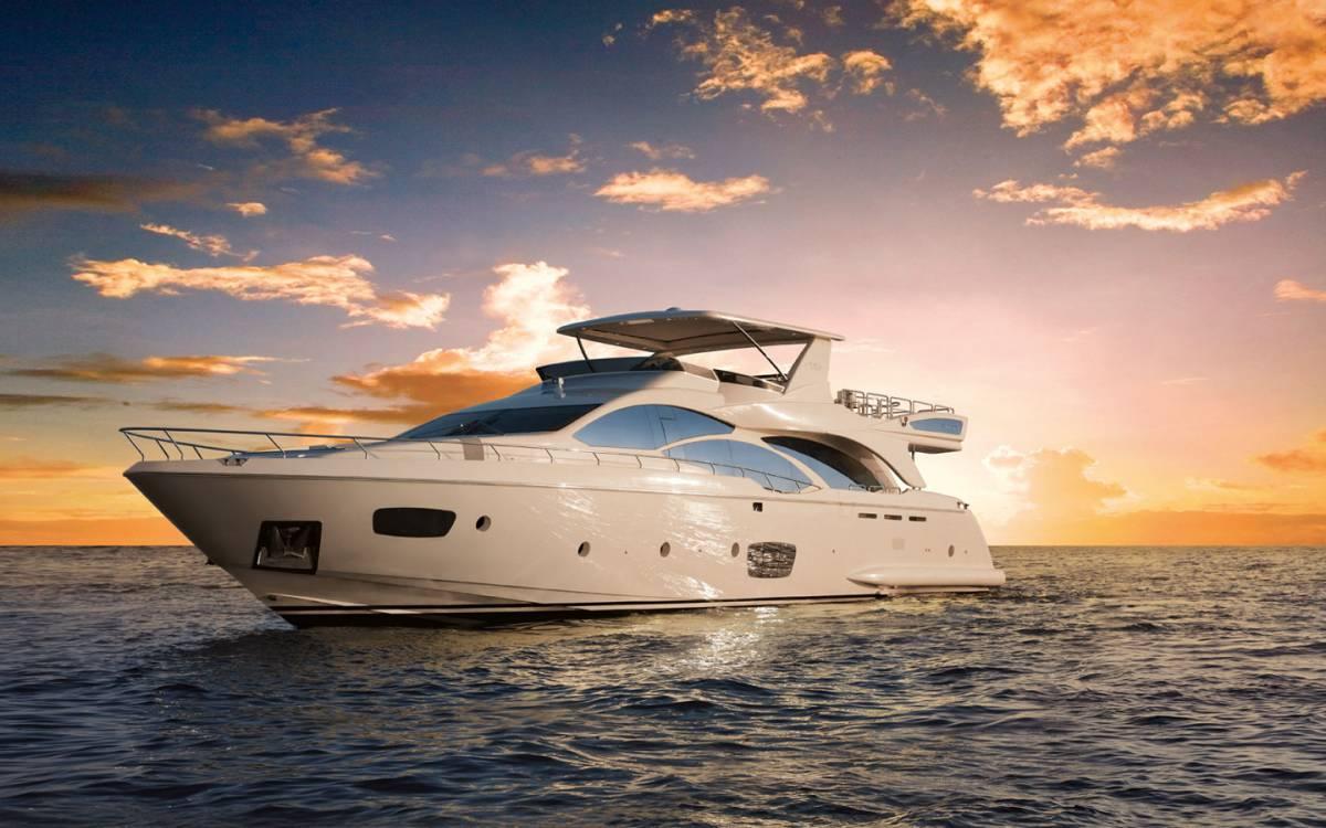 Caccia allo yacht in Sardegna «Così si ammazza il turismo»
