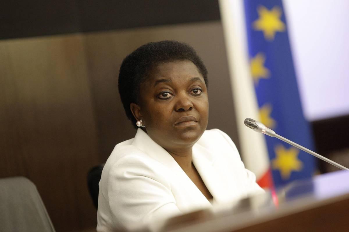 L'appello di Cecile Kyenge: razzismo e xenofobia stiano fuori dal campionato di calcio