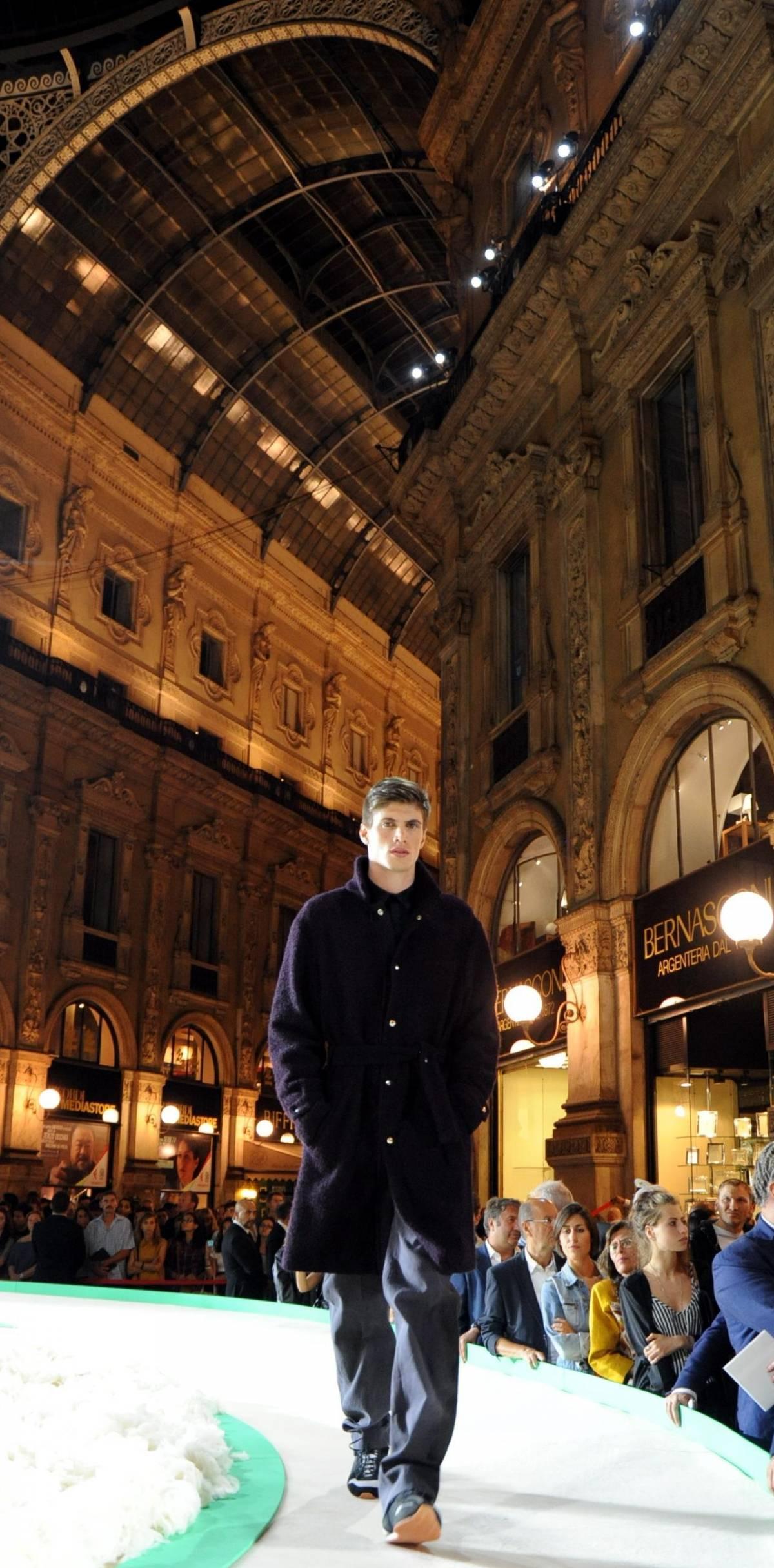 Spazio ai giovani e a Milano la moda va in Bianco