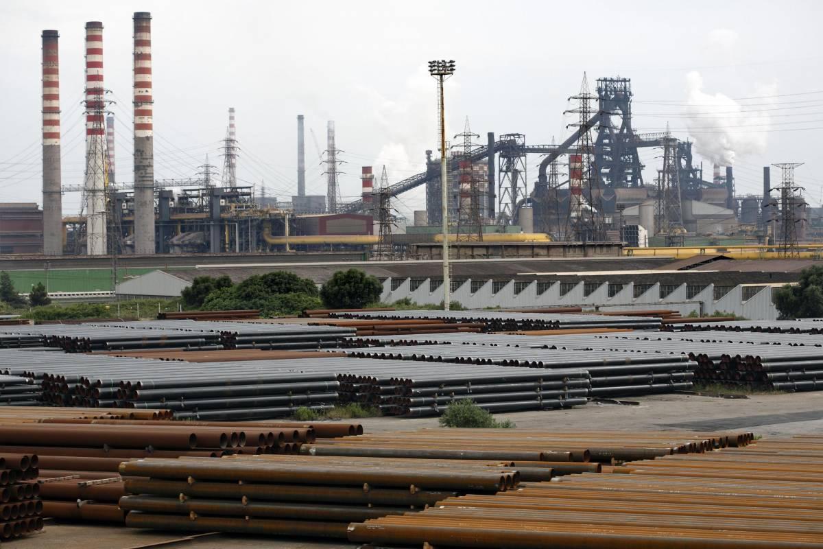 Panoramica dello stabilimento Ilva di Taranto