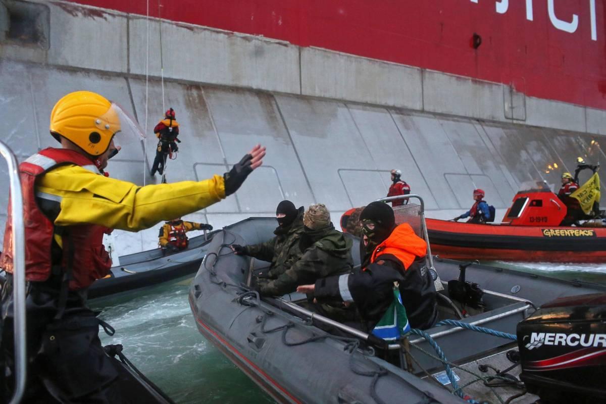 Russia, arrestati trenta attivisti Greenpeace. Tra loro un italiano