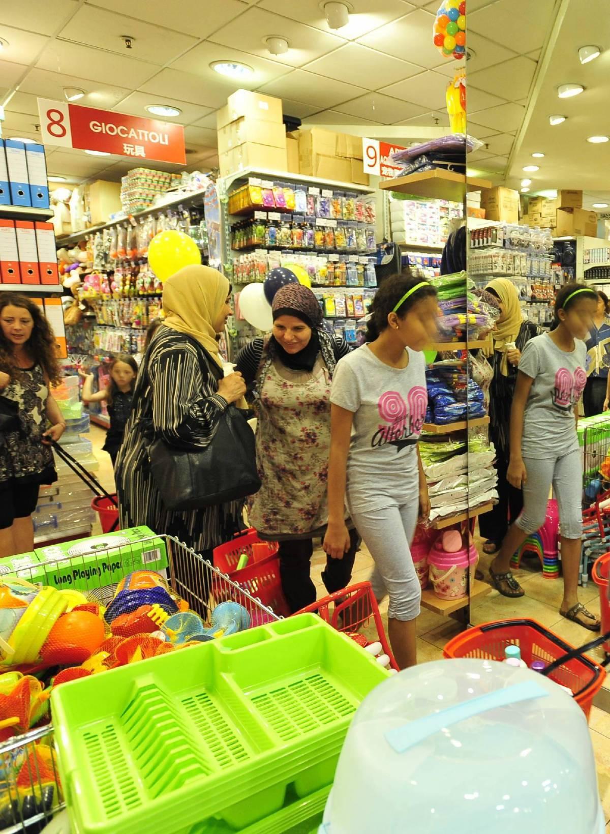 Nell'«Oriental mall» di Sarpi fanno la fila anche gli italiani