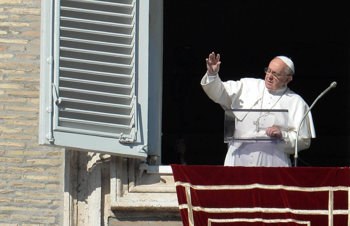 Il no del Papa alle unioni gay: scomunicata la crociata del Pd