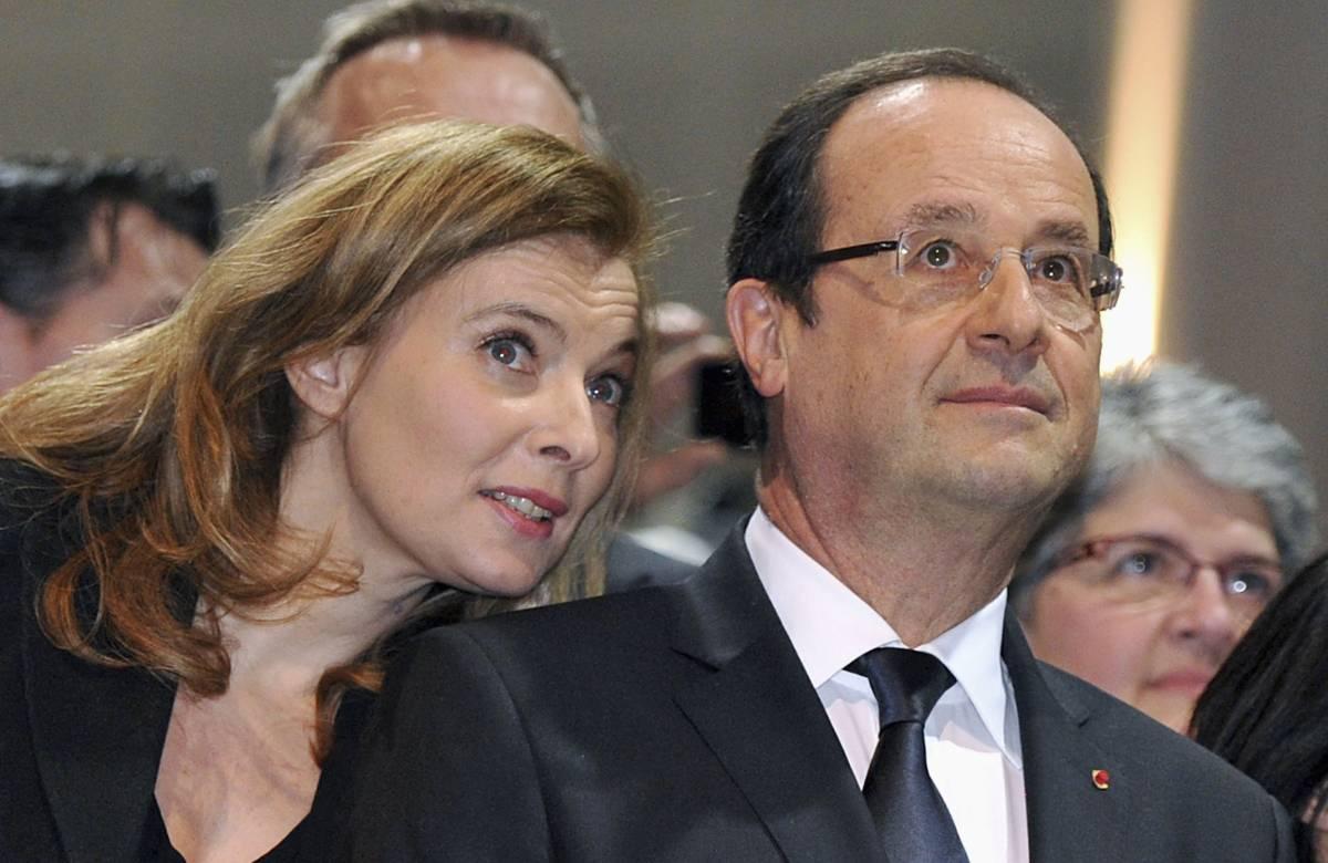 """""""Io troppo sexy per il mio ex..."""". Il tweet hot imbarazza Hollande"""