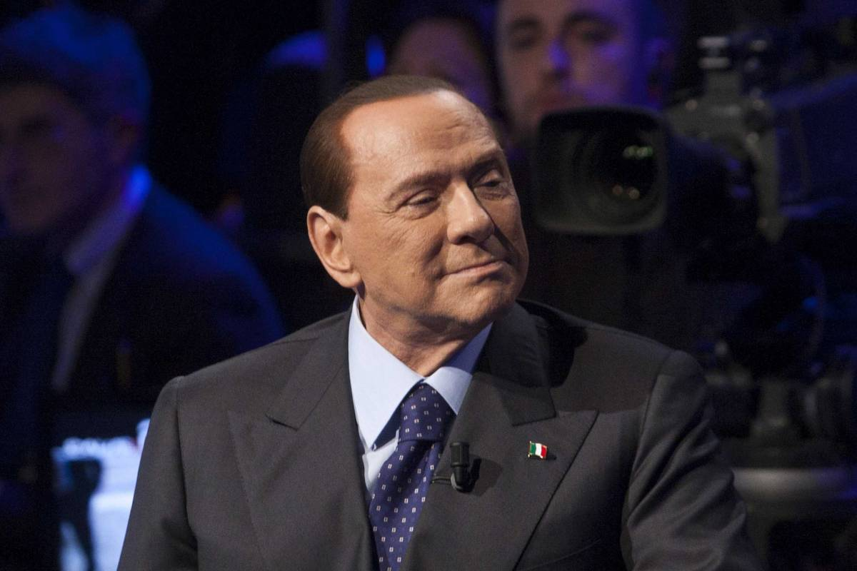 """Berlusconi: """"Grillo e i Cinque stelle sono una setta come Hitler e Stalin"""""""