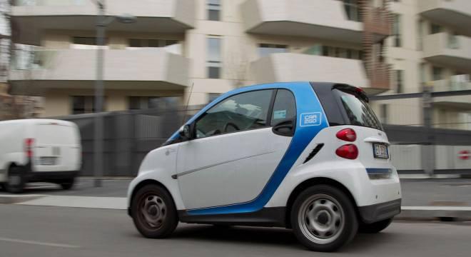 L'inciviltà dei clienti del car sharing: multe, spaccio e prostituzione