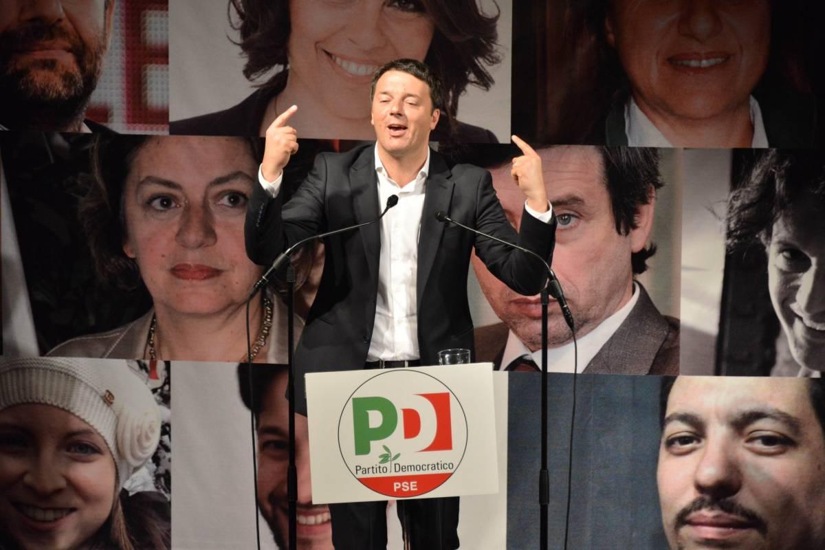 """Renzi: """"Pagherete il fisco con un sms"""". A quando il taglio delle tasse?"""