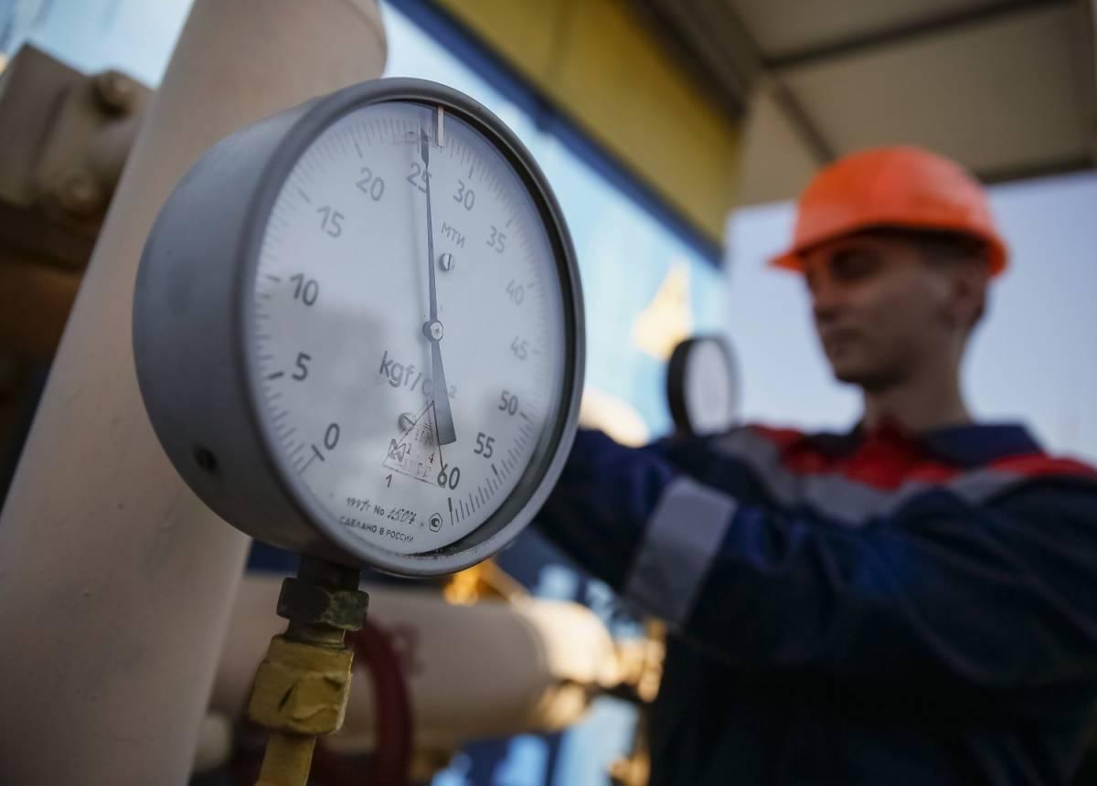 Particolare di un manometro nell'impianto di compressione di Uzhhorod (Ucraina)
