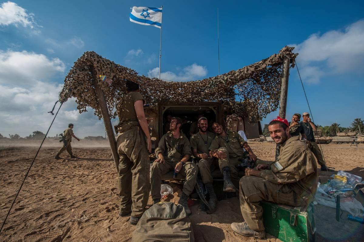 Gaza, Hamas e Israele valutano bozza di tregua proposta da Kerry