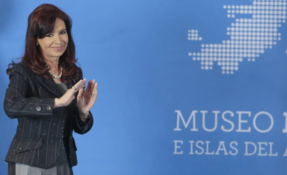 Argentina, seggi aperti per il dopo Kirchner