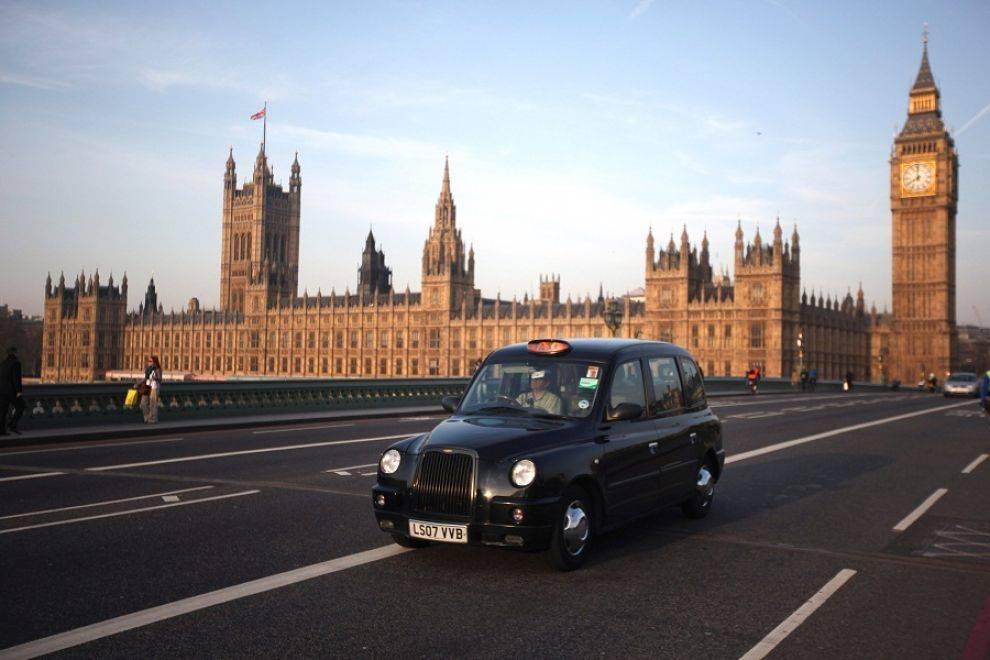 Evacuato il centro di Londra, arrestati tre sospetti