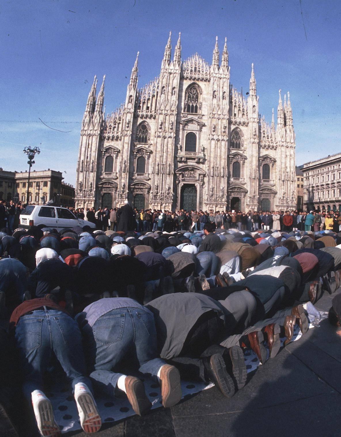 Moschee, sconto assurdo del Comune di Milano: aree a un terzo del valore