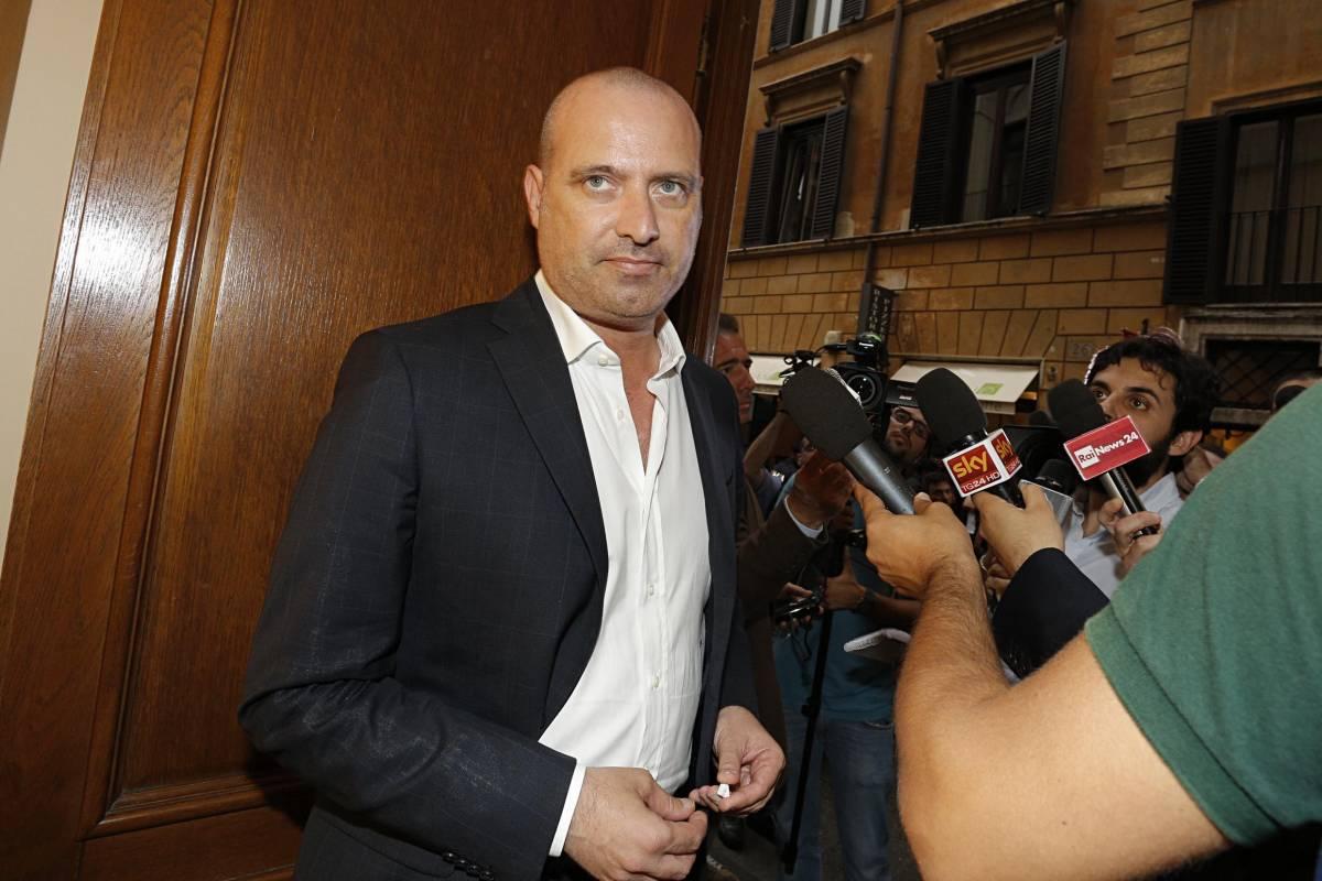Le spese pazze di Bonaccini che imbarazzano il Pd e Renzi