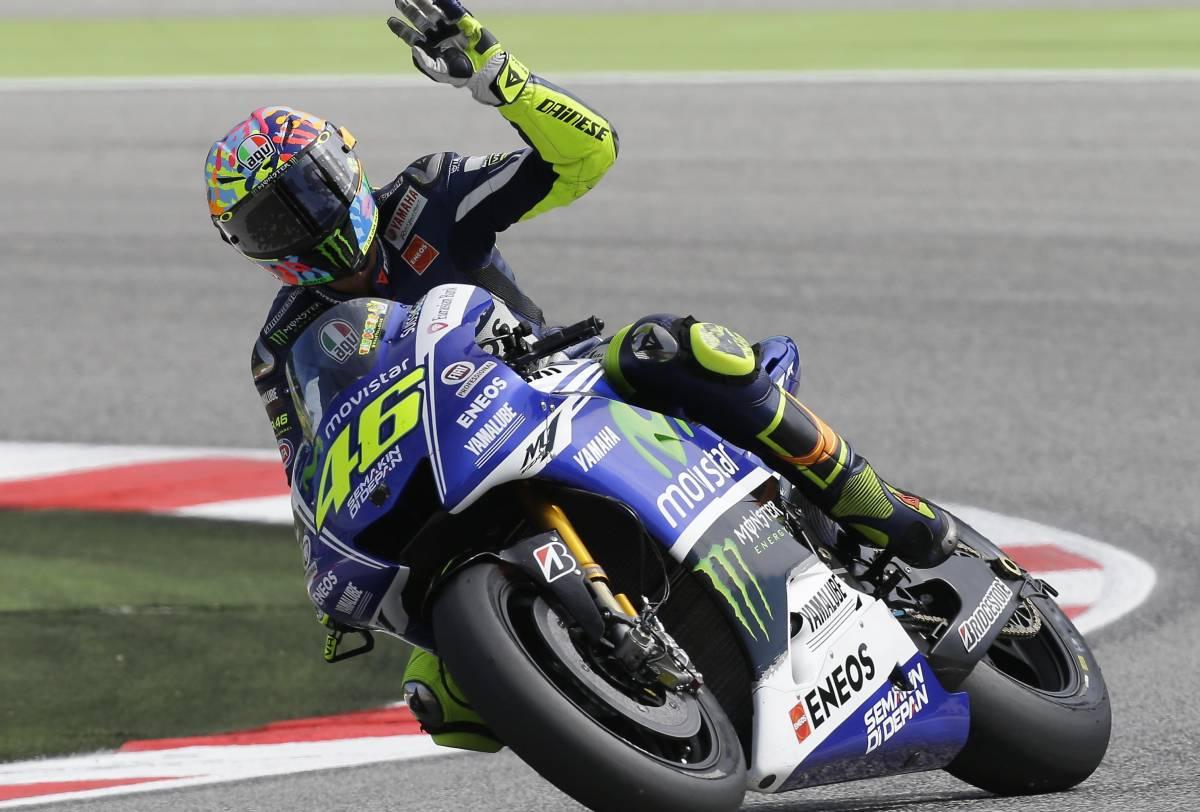 "La Yamaha difende Rossi: ""Nessun calcio a Marquez"""