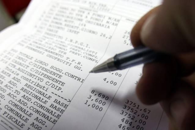 La batosta Covid in busta paga: che cosa cambia sullo stipendio