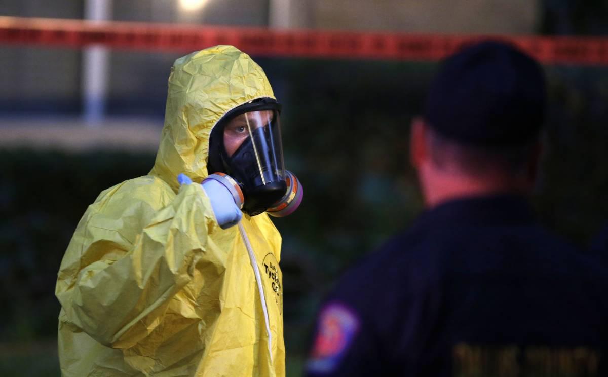 Parigi, rubate dieci tute anti-ebola