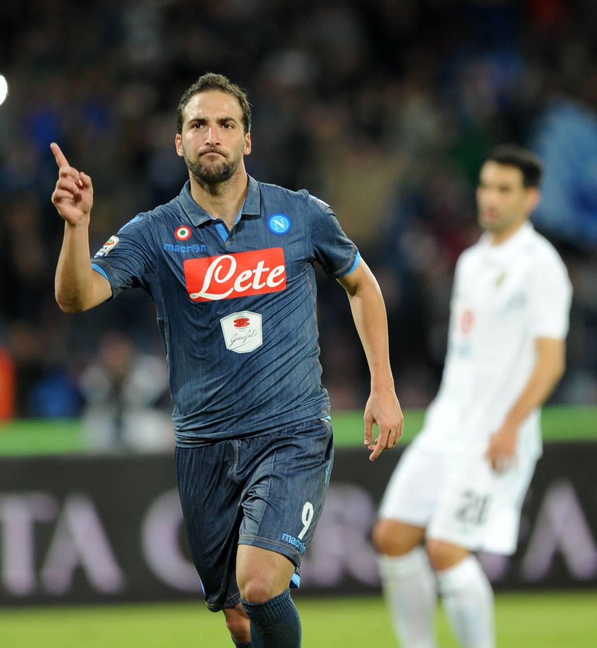 L'Udinese esce viola da Firenze, Higuain croce e delizia del Napoli
