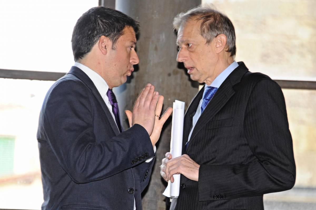 Matteo Renzi (S) con Piero Fassino in un'immagine del 6 febbraio 2014