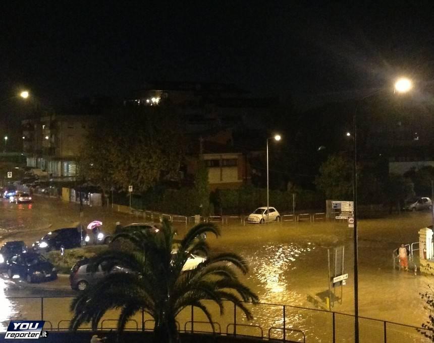 Carrara, allagamento in viale XX Settembre / YouReporter.it