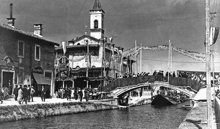E per Expo un barcone attracca alla cattedrale