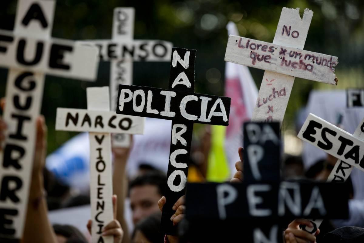 """Messico, 43 studenti scomparsi. """"Uccisi e bruciati i loro cadaveri"""""""