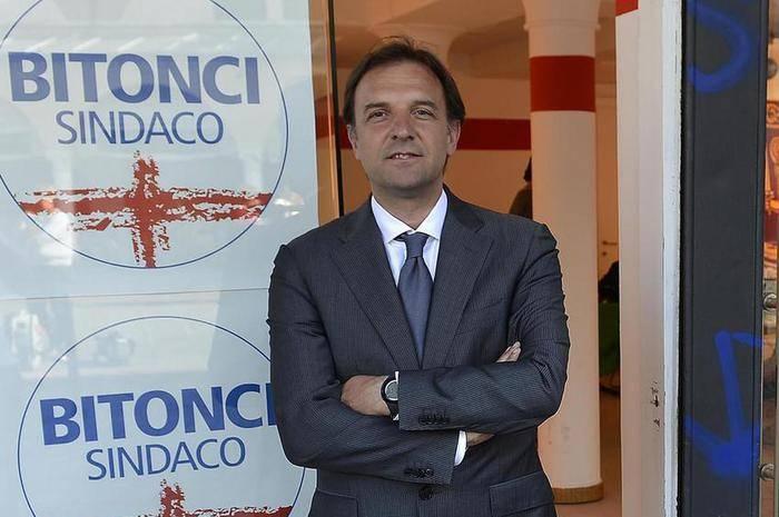 """""""Queste censure puzzano di fascismo"""". Le accuse al sindaco di Padova Bitonci"""