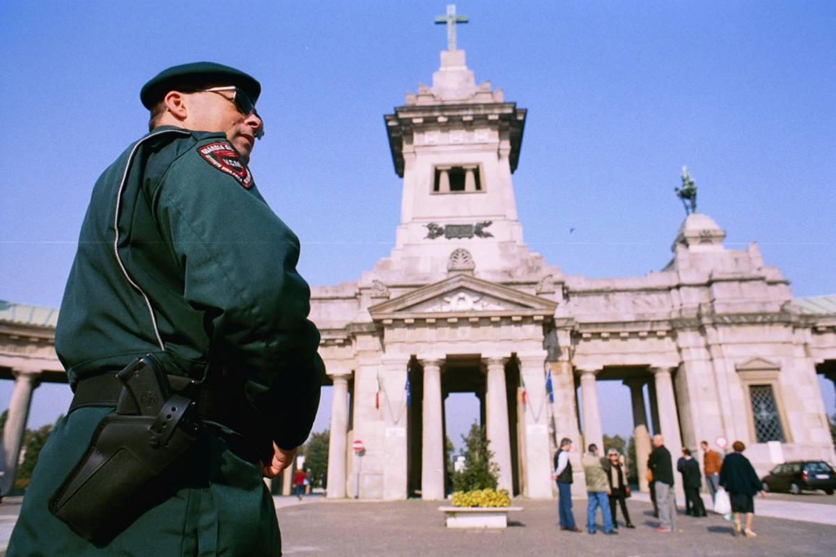 Boom di vigilantes privati: ronde pagate dalle famiglie